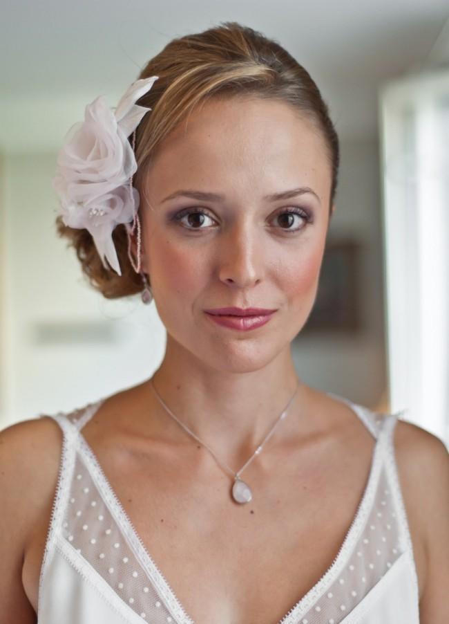 Peigne-mari+®e-fleurs-en-soie-rose-poudr+®e-perles-face