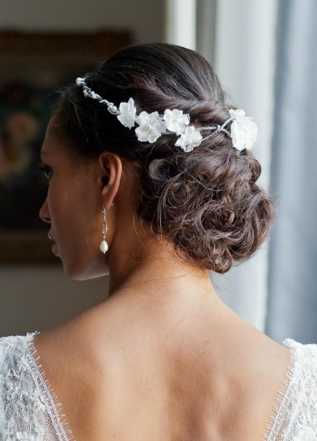 couronne-mari+®e-tresse-bois-perles-et-fleurs-de-soie-et-dentelle-chignon-arri+¿re