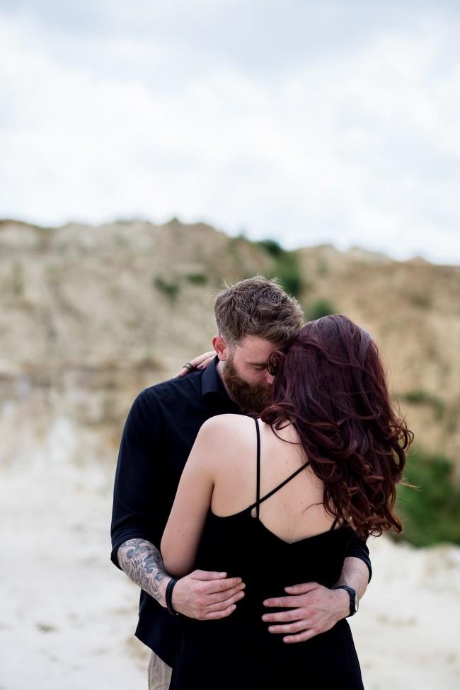 amoureux fiancés plage dark (5)