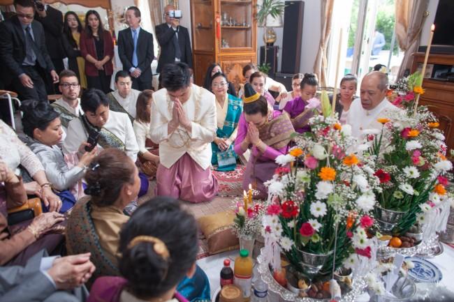mariage-laotien-ceremonie-traditionelle-laotienne-soukhouane-lyse-kong-photographe-mariage-paris-12