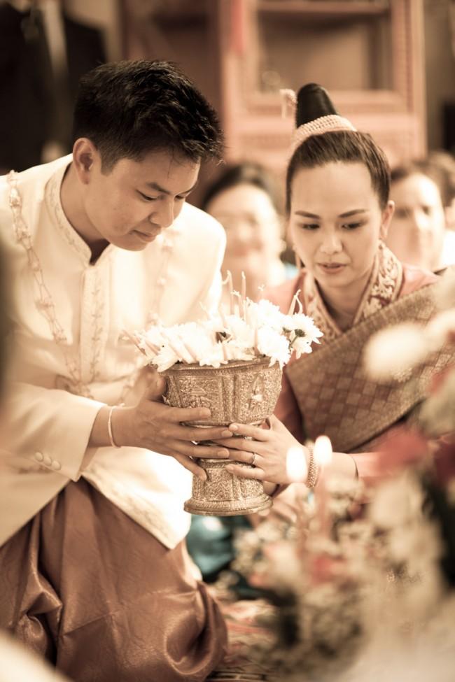 mariage-laotien-ceremonie-traditionelle-laotienne-soukhouane-lyse-kong-photographe-mariage-paris-13